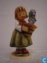 """Hummel nr 341 """" Das Geburtstagsgeschenk / Birthday Present """""""