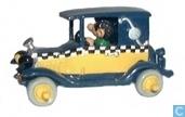 Gaston in seinem Auto