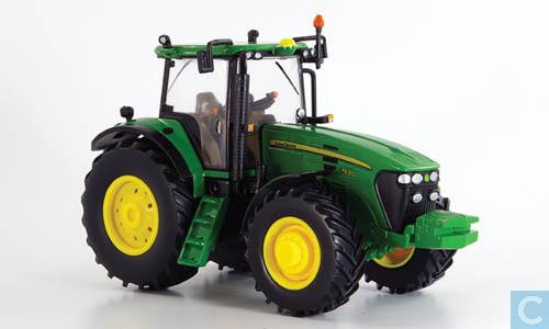 Britains 42266 1:32 Scale John Deere 7930 Tractor