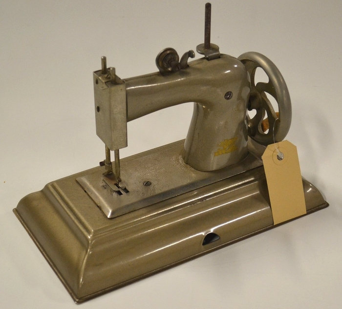 Casige sewing machine for children , Germany british zone