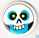 Badges, pins and buttons - Pinback buttons - skull