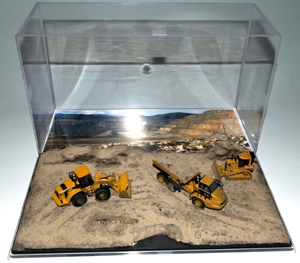 norscot scale 1 87 diorama with three mining machines. Black Bedroom Furniture Sets. Home Design Ideas