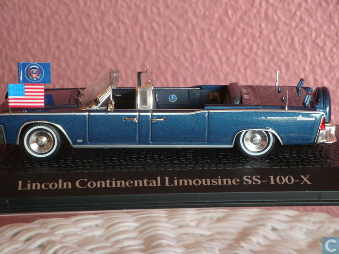 lincoln x kennedy presidential limo diecast model car pictures. Black Bedroom Furniture Sets. Home Design Ideas
