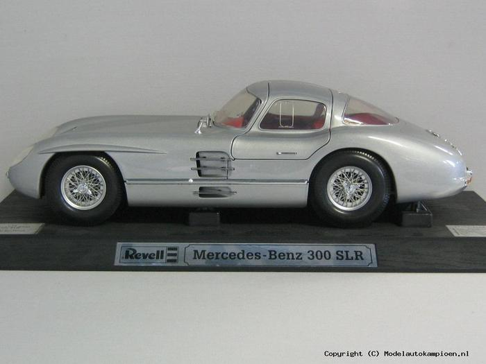 Revell   Scale  Mercedes Benz  Slr
