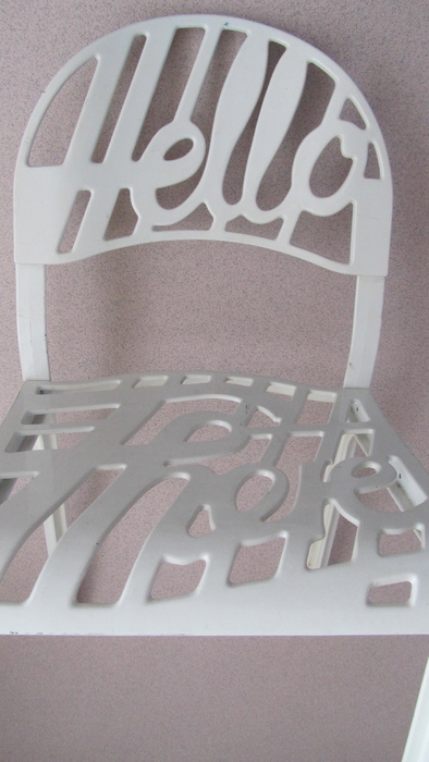 ... Jeremy Harvey voor Artifort - Hello There Chairs, 2 w...