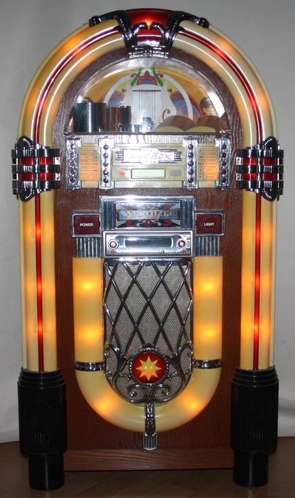 baby wurlitzer jukebox naar het originele model uit 1946. Black Bedroom Furniture Sets. Home Design Ideas
