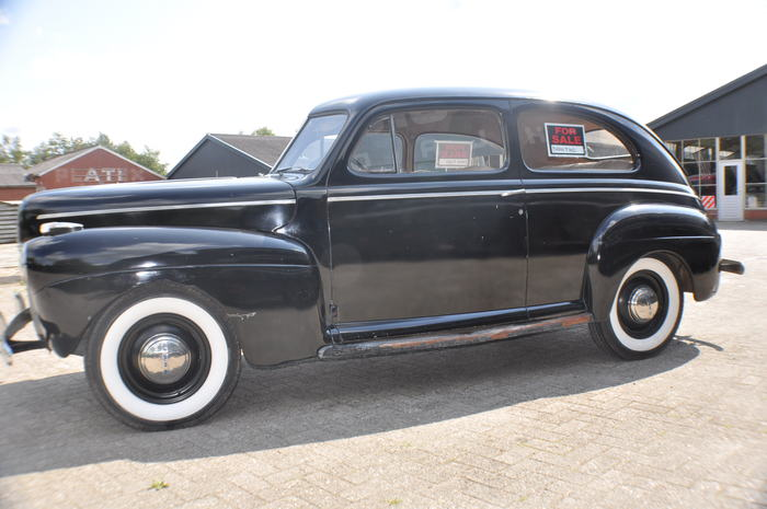 Ford deluxe 2 door sedan 1941 catawiki for 1941 ford 4 door