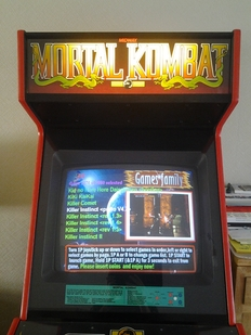 Mortal Kombat 1 - Arcade kast - Midway manufacturing company.