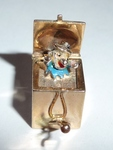 Siehe unsere Anhänger Charm 375 Gold Jack In The Box  England