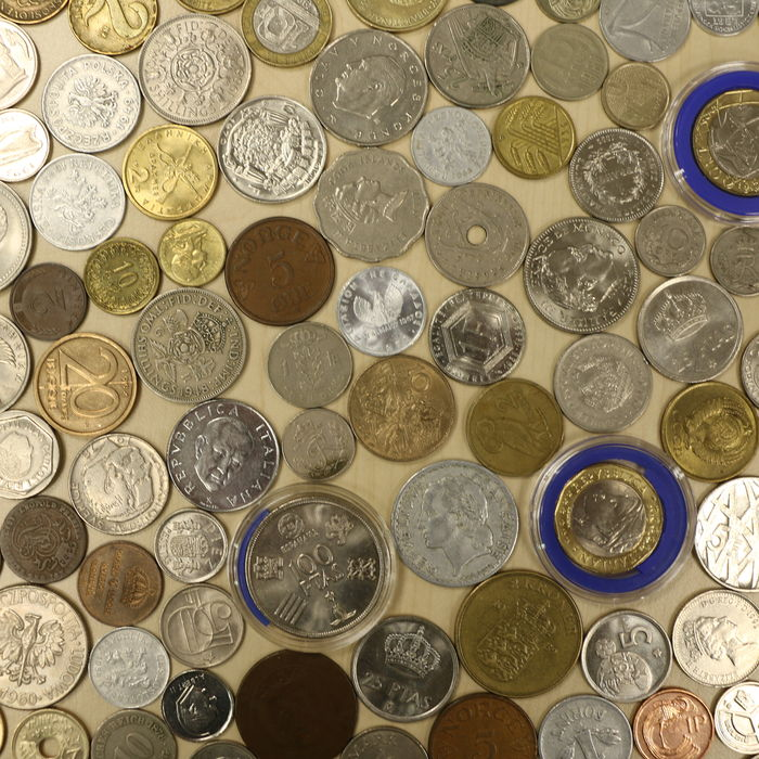 many coins from all - photo #2
