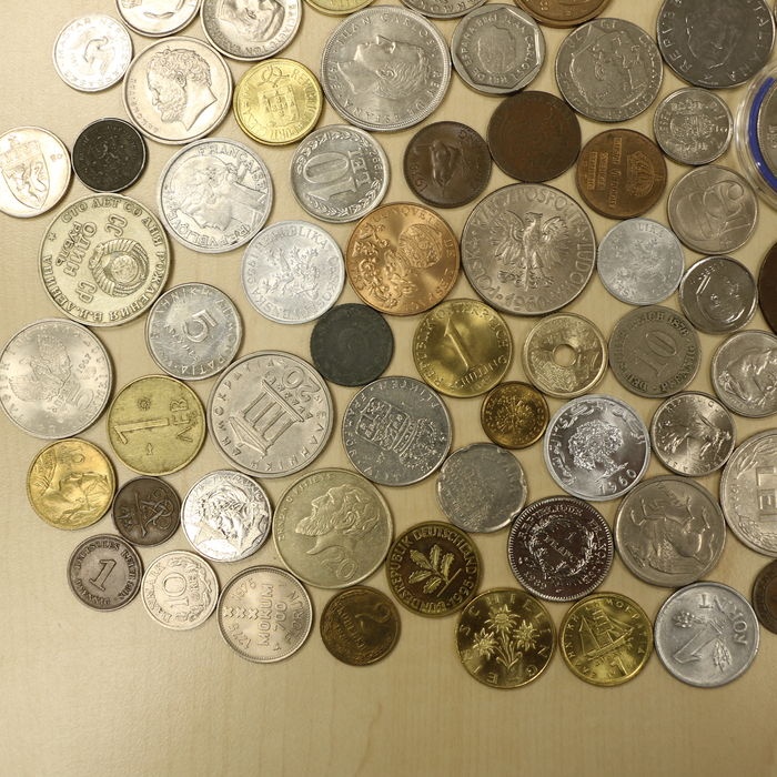 many coins from all - photo #20