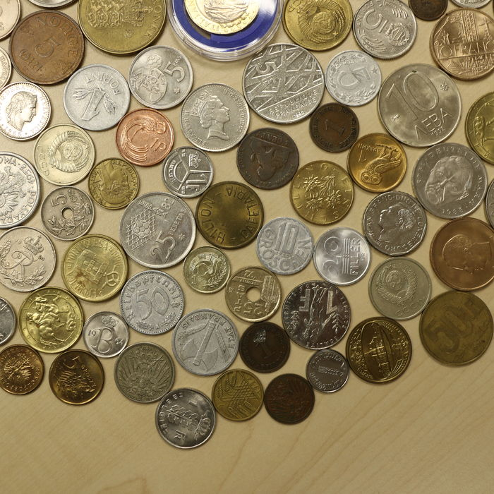 many coins from all - photo #13