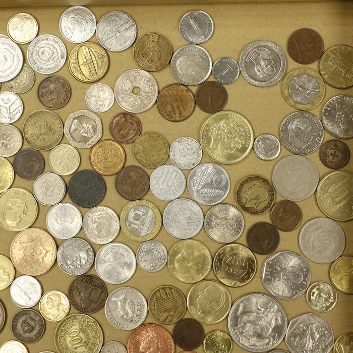 many coins from all - photo #9