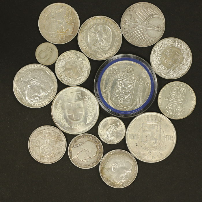 many coins from all - photo #25