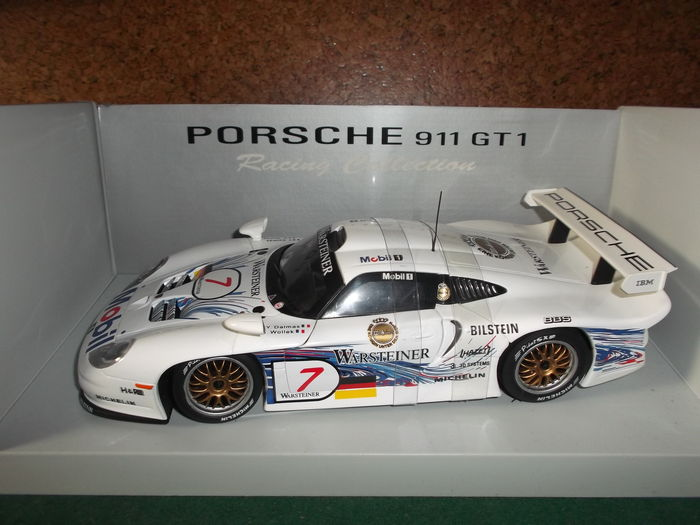 ut models schaal 1 18 porsche gt1 fia gt1 nurburgring yannick dalmas bob. Black Bedroom Furniture Sets. Home Design Ideas