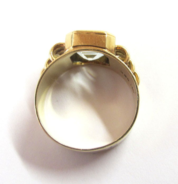 585 vintage gold gold ring with large aquamarine 8x8 mm
