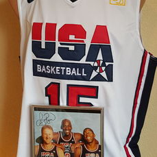 Dream Team 1992 shirt team USA Shirt + Ingelijste grote foto Lary Bird, Michael Jordan en Magic Johnson met gedrukte handtekeningen.