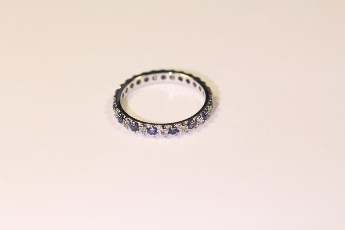 American Wedding Ring In 18 Ct 750 1000 White Gold Sapphires And 001 Ct Diamonds