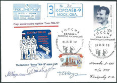 Russia 2010 - Two original Sojus start covers with the signatures of the astronauts