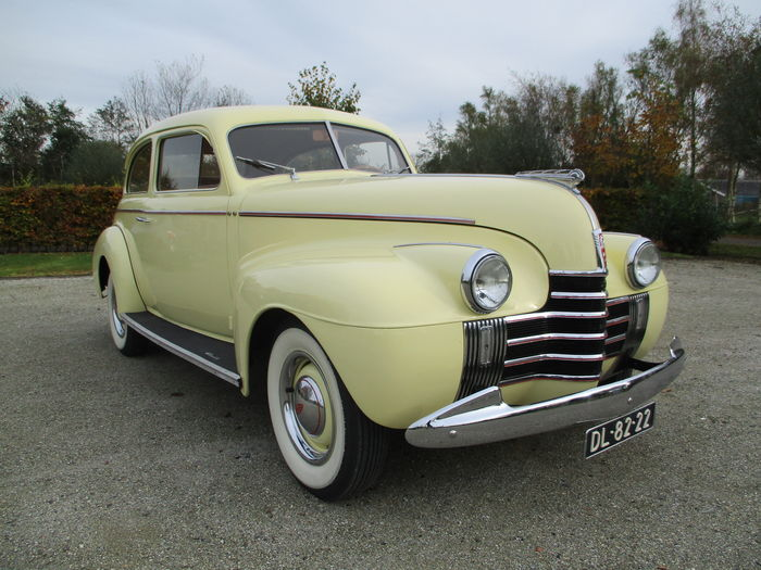 Oldsmobile 2 door sedan 1940 for 1940 door
