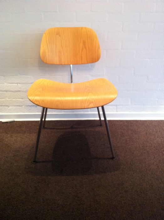 Charles en ray eames door vitra dcm chair stoel catawiki for Charles eames stoel
