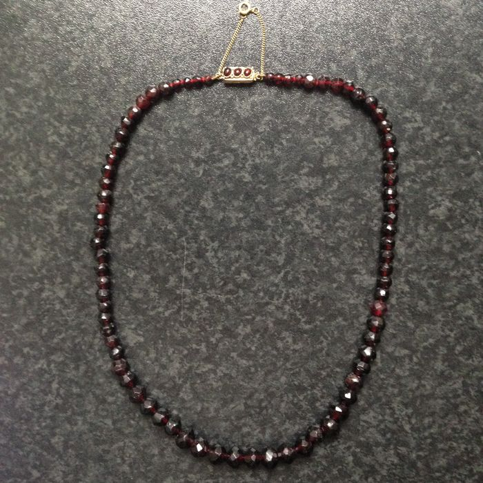 garnet necklace with 14 carat gold clasp catawiki