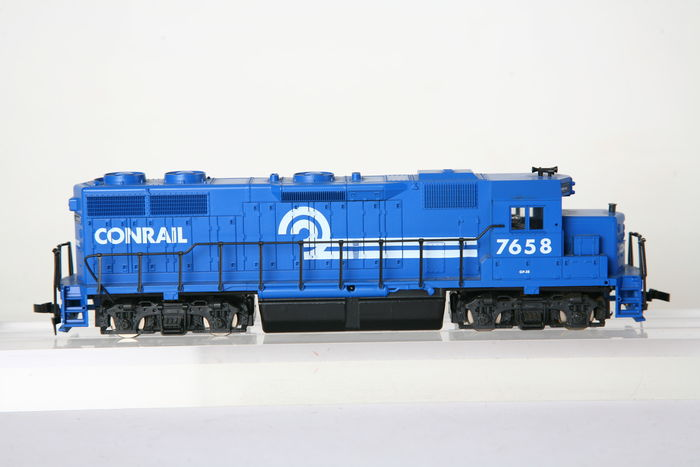conrail bidding Railroad giants csx corp and norfolk southern corp ended a bitter bidding war friday for conrail corp by agreeing to split the railroad between them in a deal valued at $103 billion in.