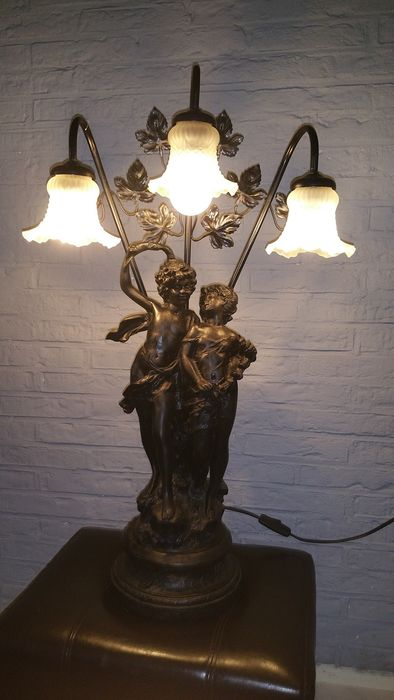 Bronzed lamp with three glass shades and a beautiful set pictured catawiki - Stel een dressoir glas ...