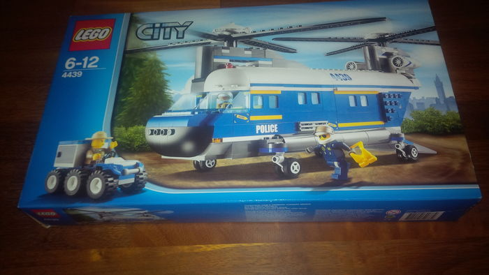 lego city heavy duty helicopter 4439 with 3774601 City 4439   4440   4441 Heavy Duty Helicopter   Forest Police Station   Police Dog Van on 141505671584 further Plane Heavy Duty moreover Lego City 4439 Lhelicoptere De Transport likewise Lego City 2018 Six New Sets Were Unveiled additionally Watch.