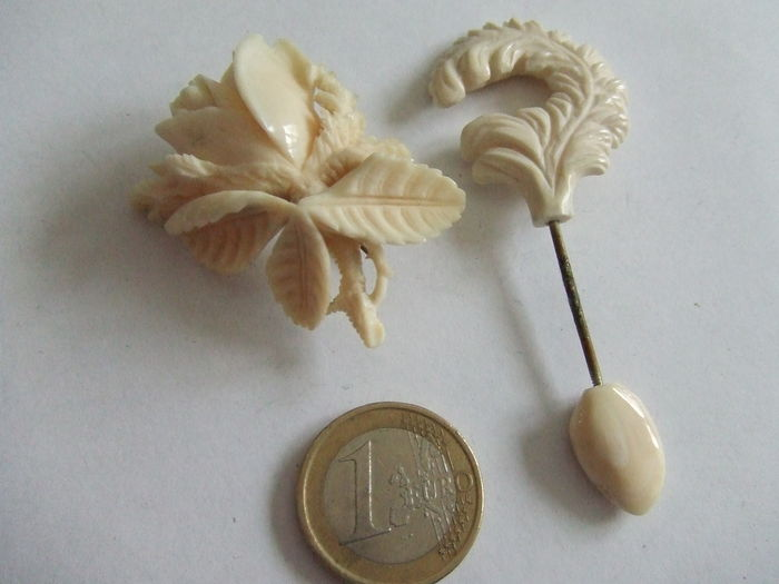 Antique Ivory Flower brooch and Ivory Pin - Catawiki