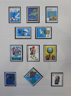 Europa stamps 1978/2001 -  Collection CEPT in SAFE Dual and 2 DAVO albums