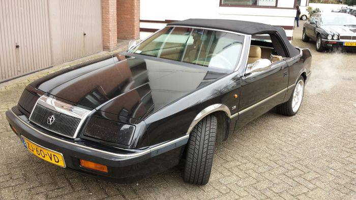 Chrysler lebaron convertible 3 l 1991 for Garage peugeot le baron brunoy