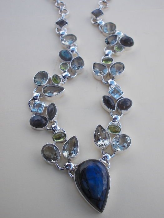 necklace of various gemstones in silver settings catawiki