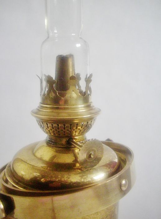 Nautical brass gimbal wall oil lamp - second half 20th century - Catawiki