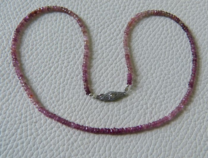 Dating necklace by clasp-in-Those Anga