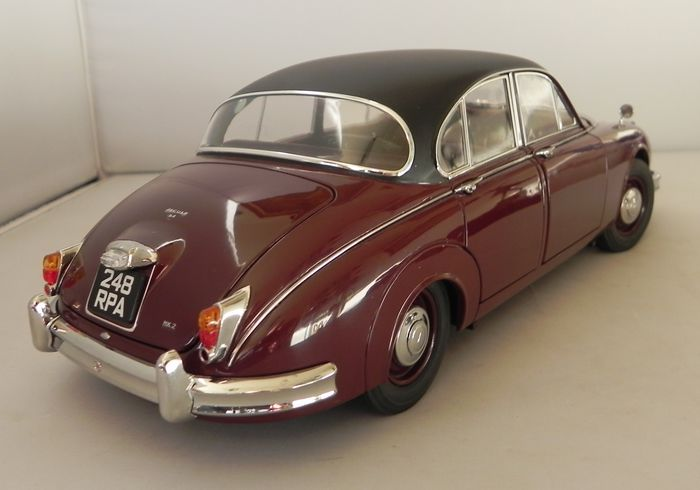 model icons 1 18 scale jaguar mark ii 2 4 1960. Black Bedroom Furniture Sets. Home Design Ideas