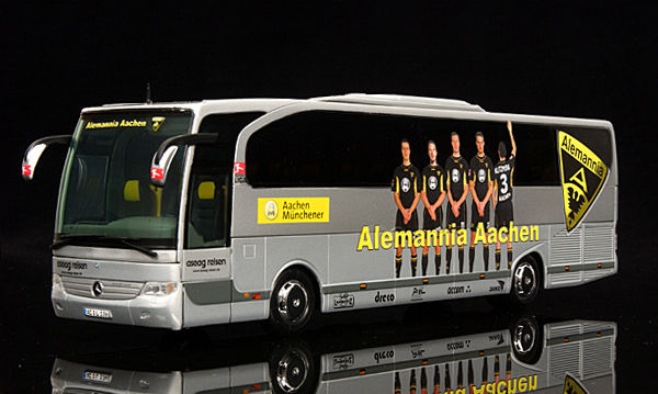 minichamps schaal 1 43 mercedes benz travego 2000 alemannia aachen. Black Bedroom Furniture Sets. Home Design Ideas