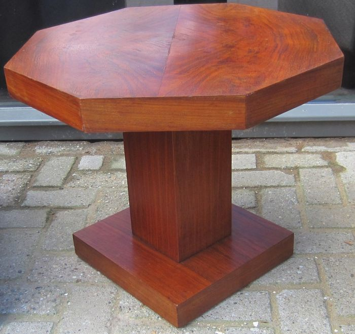 Coffee Table Of Walnut Veneer Catawiki