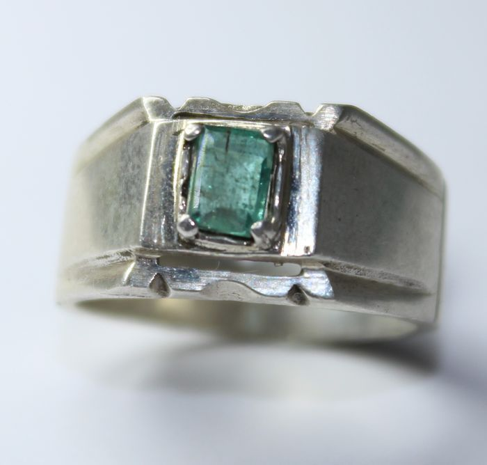 Men s ring with natural emerald Catawiki