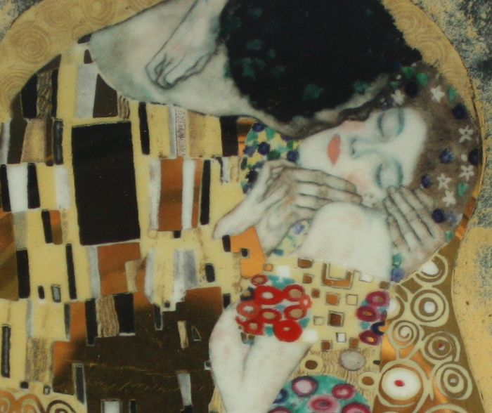 gustav klimt for porzellan lilien austria porcelain plate der kuss catawiki. Black Bedroom Furniture Sets. Home Design Ideas