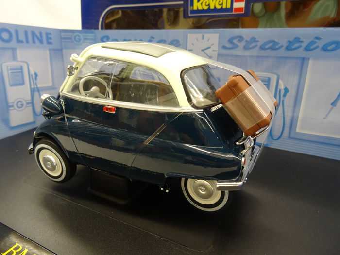 revell schaal 1 18 bmw isetta 250. Black Bedroom Furniture Sets. Home Design Ideas