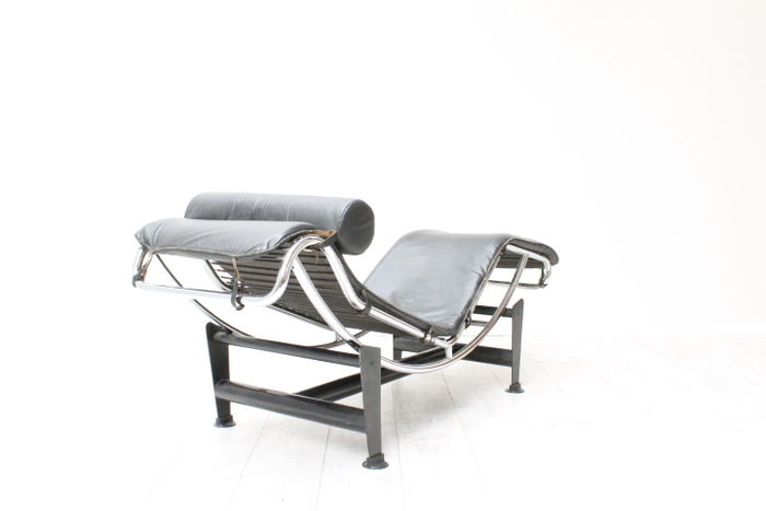 le corbusier attr voor dalmine lc4 lounge fauteuil replica. Black Bedroom Furniture Sets. Home Design Ideas