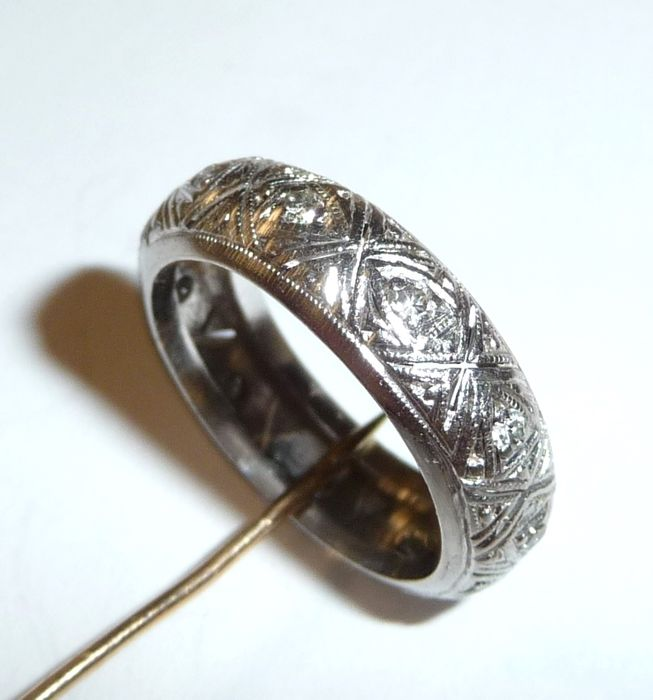 memory eternity ring in 850 palladium with 11 diamonds all