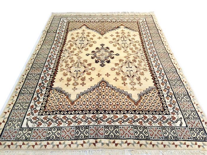 incroyable tapis fait main tunisien kairouan 290x200 cm catawiki. Black Bedroom Furniture Sets. Home Design Ideas