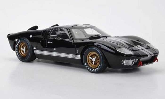 shelby collectibles schaal 1 18 ford gt40 mk2 1966. Black Bedroom Furniture Sets. Home Design Ideas