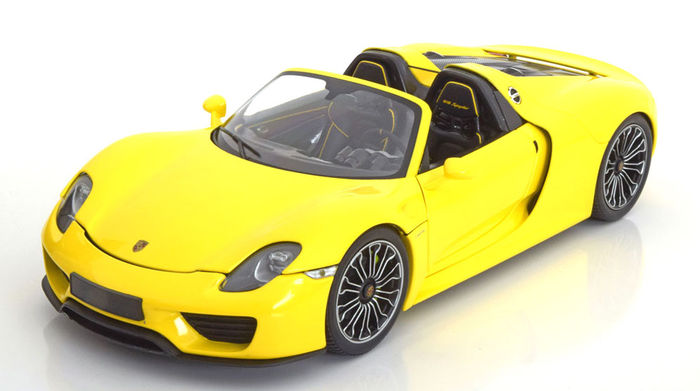 minichamps scale 1 18 porsche 918 spyder 2013 yellow catawiki. Black Bedroom Furniture Sets. Home Design Ideas
