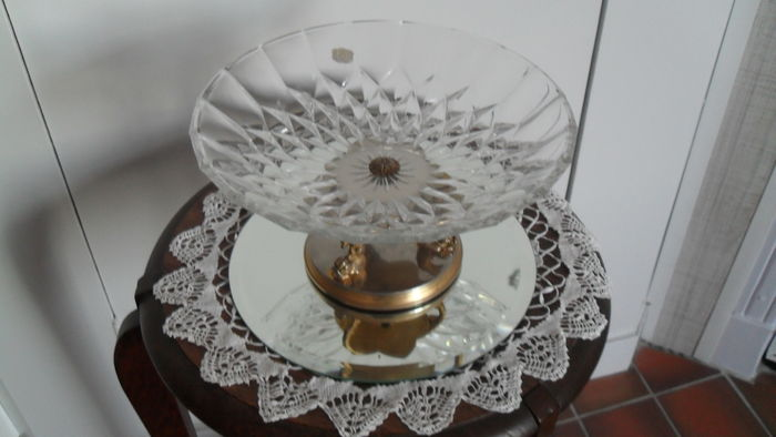 Val saint lambert crystal bowl on gold brass foot with dolphins catawiki - Bed met schaal ...