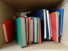 World - Batch in large moving box including stamp collections, accessories and loose material