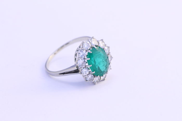 14 kt 585 1000 white gold ring emerald and diamond 0 10 carat Catawiki