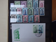 Europa stamps 1956/1992 - Collection in 3 stock books with stamps, a few miniature sheets and 22 FDCs